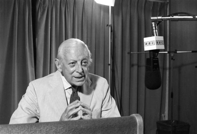 Alistair Cooke speaks at taping of his 2000th program 'Letter From America' at the British Broadcasting Company's Manhattan studio