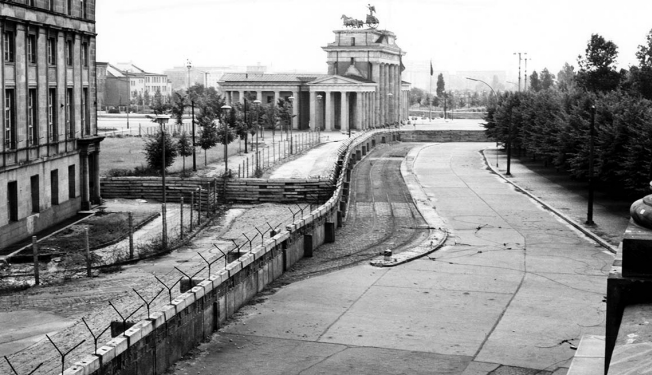 Berlin-Wall-Feature-Image